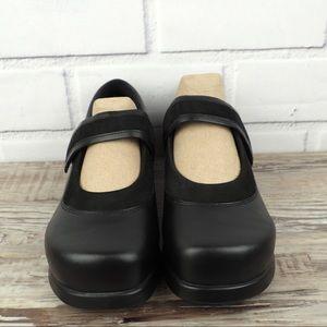 DREW sz 9W black leather maryjanes ortho shoes